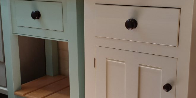 Hand Painted deVol Bespoke Kitchen, Jordans Village -Buckinghamshire